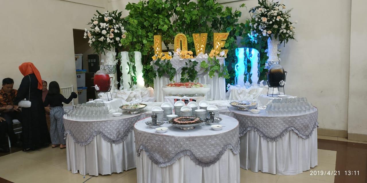 Inspirasi Dekorasi Tenda Pernikahan Di
